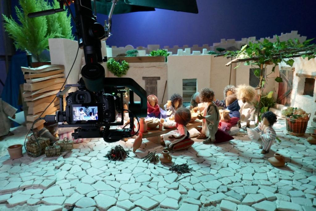 Die Szene wird mit der Kamera gefilmt